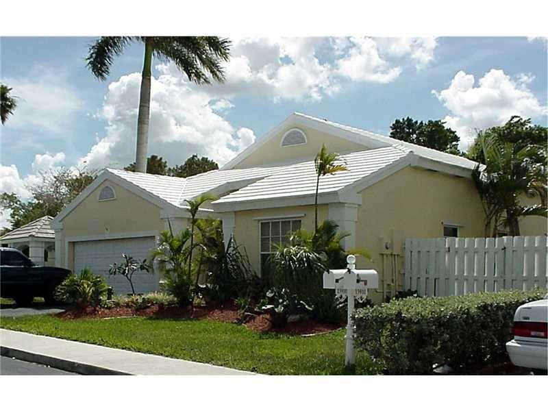 13900 Oak Ridge Dr Davie, FL 33325