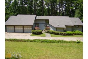 3525 Strawberry Ln, Cumming, GA 30041