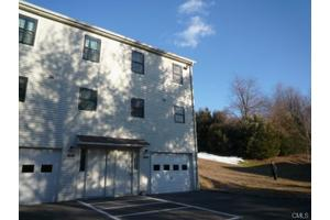 81 Aspetuck Vlg, New Milford, CT 06776