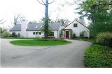 1111 San Lucia Dr Se, East Grand Rapids, MI 49506