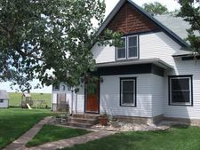 1287 Road V, Blue Hill, NE 68930