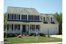 11 Grace Manor Ct, Fredericksburg, VA 22406
