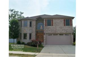 1833 Longfellow Ct, Berkeley, IL 60163