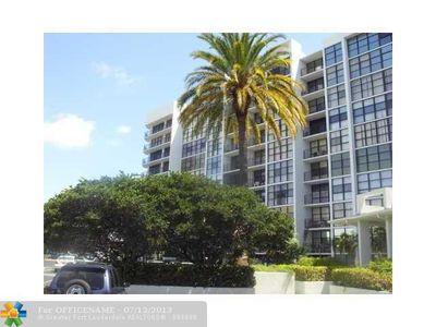 800 Parkview Dr Apt 909, Hallandale Beach, FL