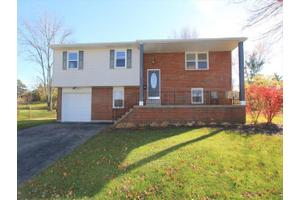 1105 Indra Ct, Forest Park, OH 45240