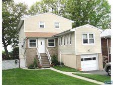 791 Norman Rd, Ridgefield, NJ 07657