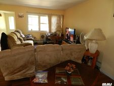304 121st St # 2, College Point, NY 11356