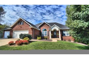 4606 Garden Grove Dr, Columbia, MO 65203