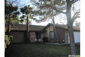 1346 Ponce De Leon Ave, Stockton, CA 95209
