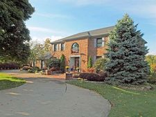7222 Cascade Dr, West Chester, OH 45069