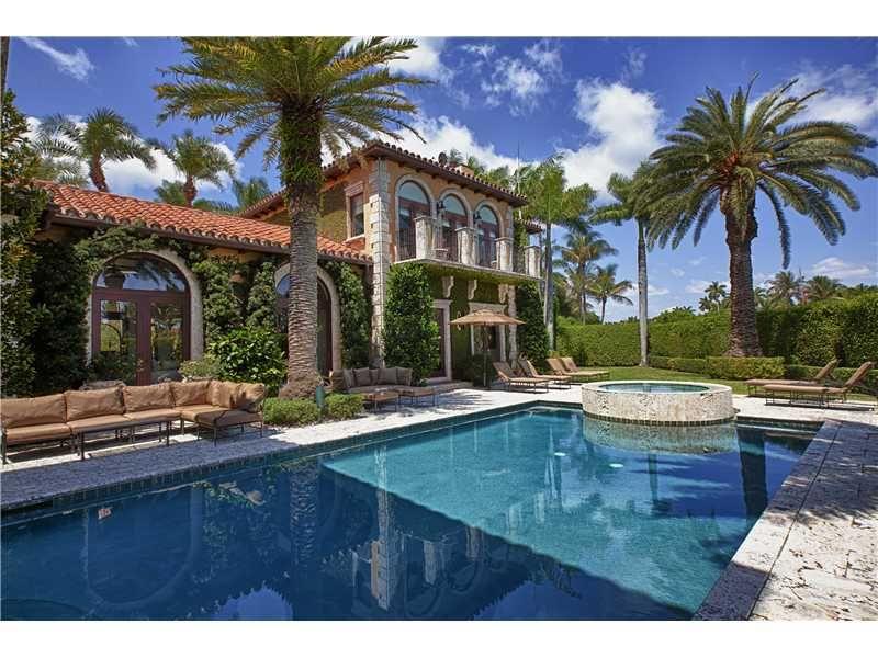2345 Lake Ave, Miami Beach, FL 33140
