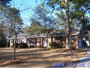 104 Lakeview Dr, Greenville, NC