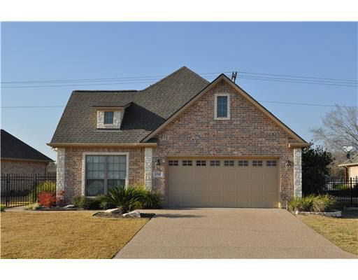 1709 Lakeshore Ct, College Station, TX 77845