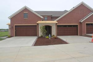 1644 Residence Dr, Columbia, MO 65201