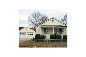 7 Diaz St, Johnston, RI 02919