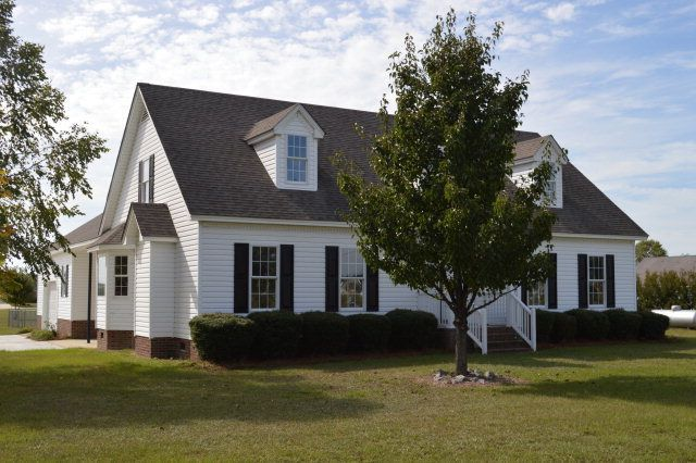 7532 brame rd kenly nc 27542 for Bath remodel wilson nc