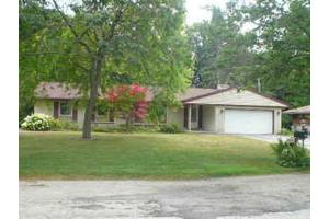 1315 Woodview Ave, Sheboygan, WI 53081
