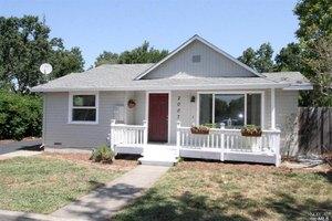 2007 W College Ave, Santa Rosa, CA 95401