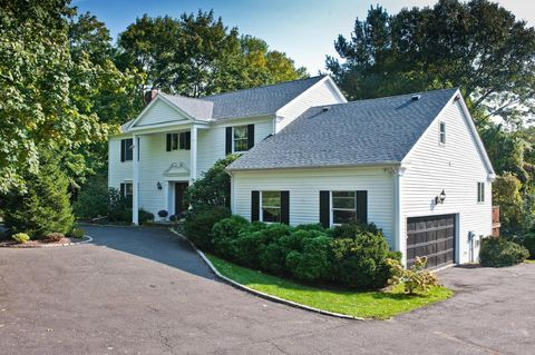 12 Ricky Beth Ln, Old Greenwich, CT 06870
