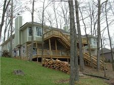 9572 Overlook Dr, Huntingburg, IN 47542