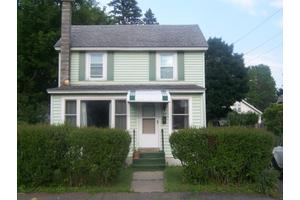 52 Reuter Ave, Pittsfield, MA 01201