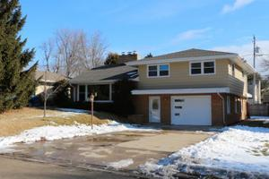 105 Brookdale Dr, South Milwaukee, WI 53172