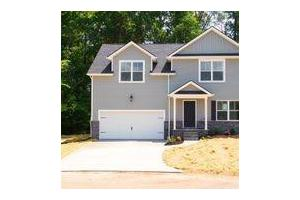 726 Drakewood Ln, Knoxville, TN 37924