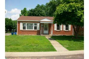 9037 Trefore Ave, St Louis, MO 63134