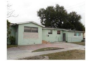 800 NW 67th St, Miami, FL 33150