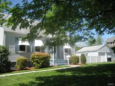 689 Huntington Rd, Stratford, CT 06614