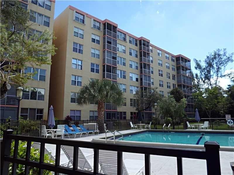17890 W Dixie Hwy Apt 519, North Miami Beach, FL 33160