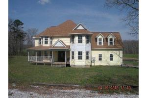 2462 Banner Springs Rd, Jamestown, TN 38556