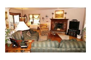 136 Newtown Ave Apt 1, Norwalk, CT 06851
