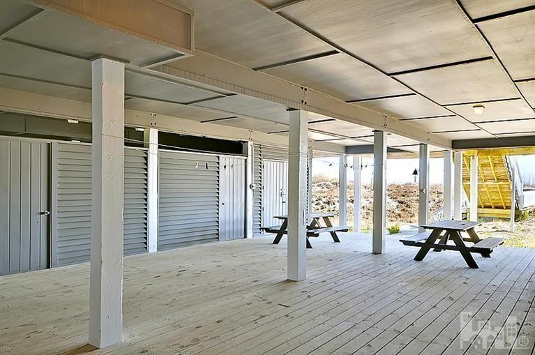 Bay Beach Ln  Listing Property History