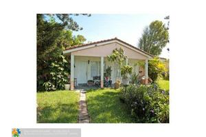 7901 NW 43rd St, Coral Springs, FL 33065