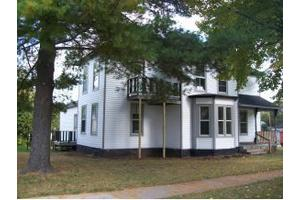 215 E Cook St, City of New London, WI 54961
