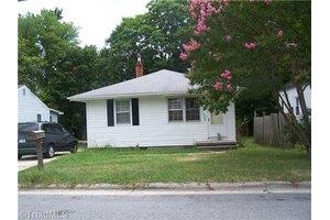 1502 Tucker St, Greensboro, NC 27405