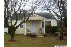 329 W Sylvania Ave, Neptune City, NJ 07753
