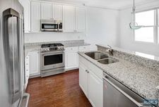 285 Roslyn Ct, West New York, NJ 07093