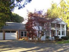 72A Main St, Newtown, CT 06470