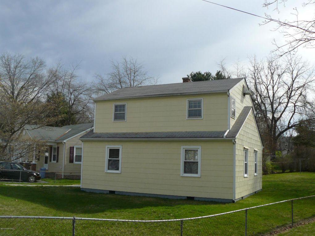 1031 Lyle St, Radford, VA 24141