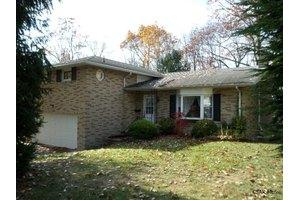 1260 Claythorne Dr, Johnstown, PA 15904