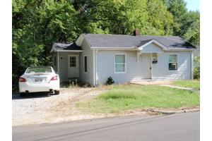 538 E Washington St, Paris, TN 38242