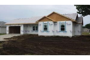 300 East, Middletown, IA 52638