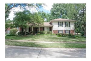 14419 Corallin Dr, Chesterfield, MO 63017