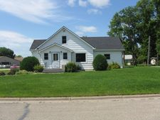 200 N 5th St, Drayton, ND 58225