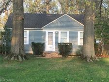 3123 Walter Rd, North Olmsted, OH 44070