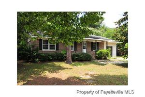 5851 Columbine Rd, Fayetteville, NC 28306