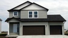 3027 Ridge Dr E, West Fargo, ND 58078