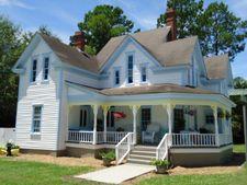 102 College St, Sparks, GA 31647